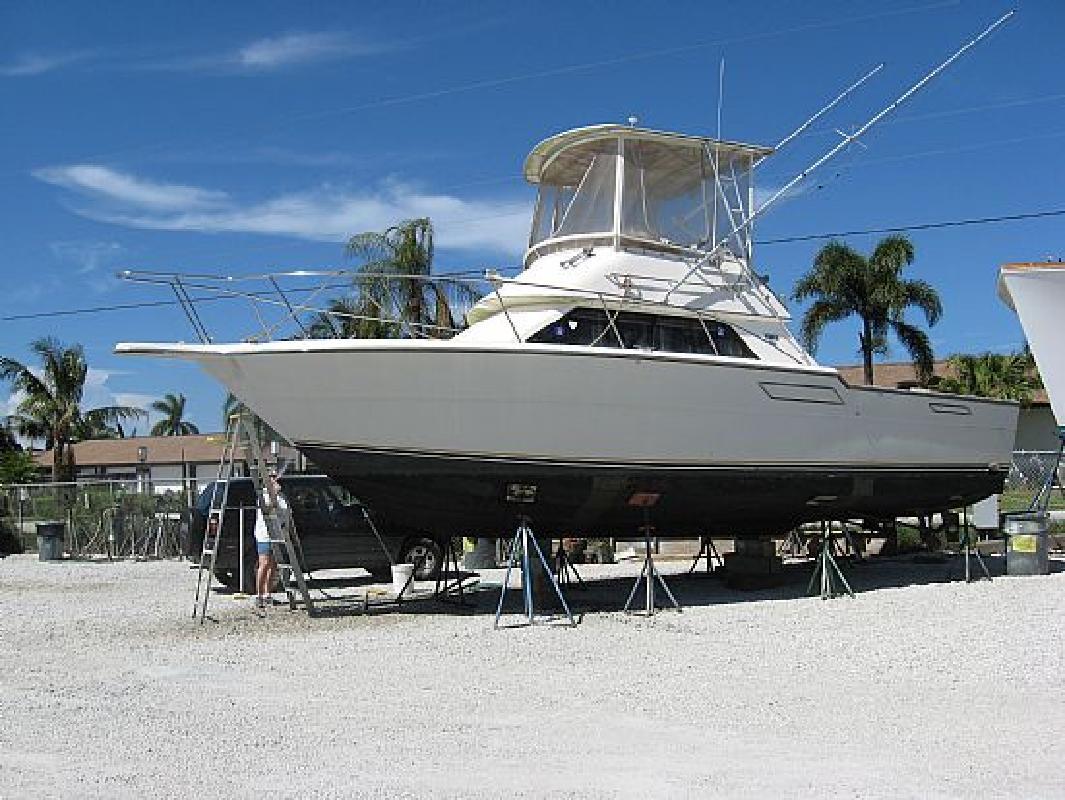 1986 33' Tiara Yachts 33 Flybridge