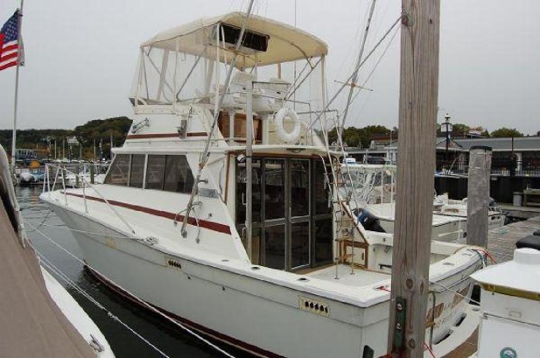 1980 35' Viking Yachts 35 Convertible