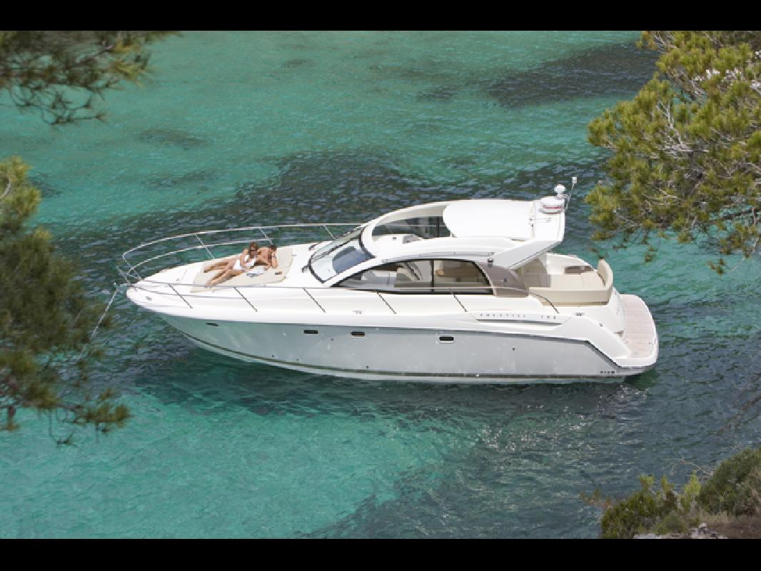 2013 39' Prestige Yachts 390 Express