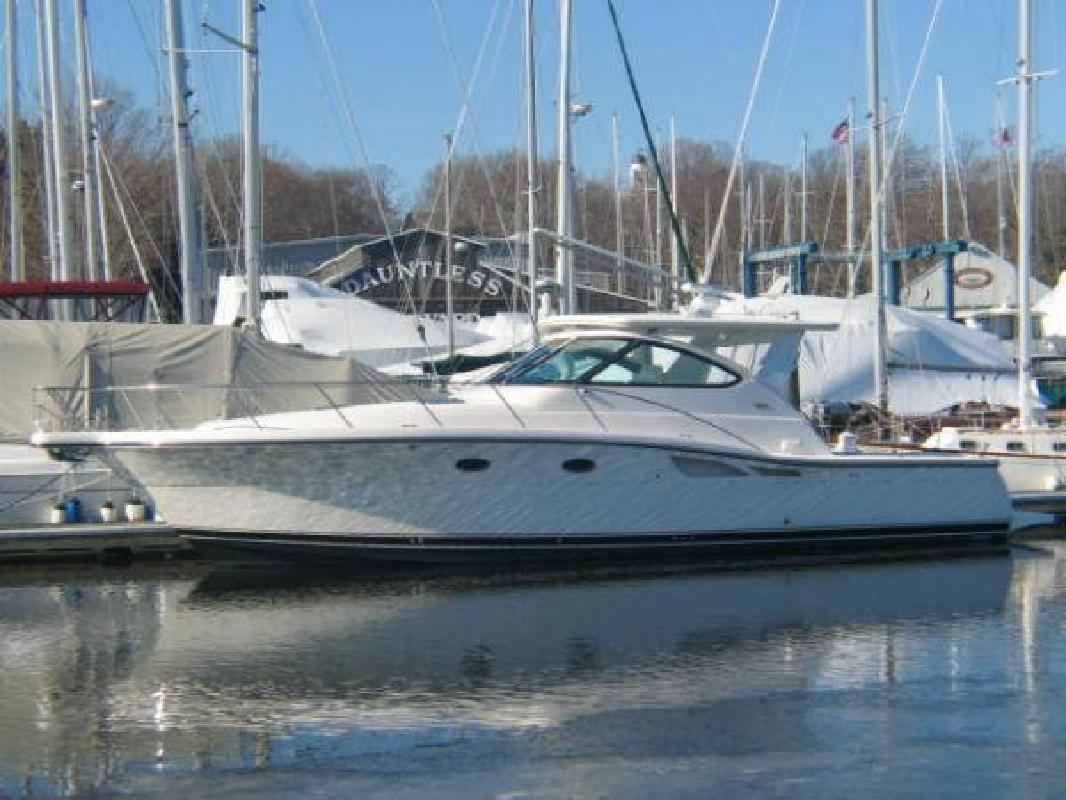 2005 42' Tiara Yachts 4200 Open