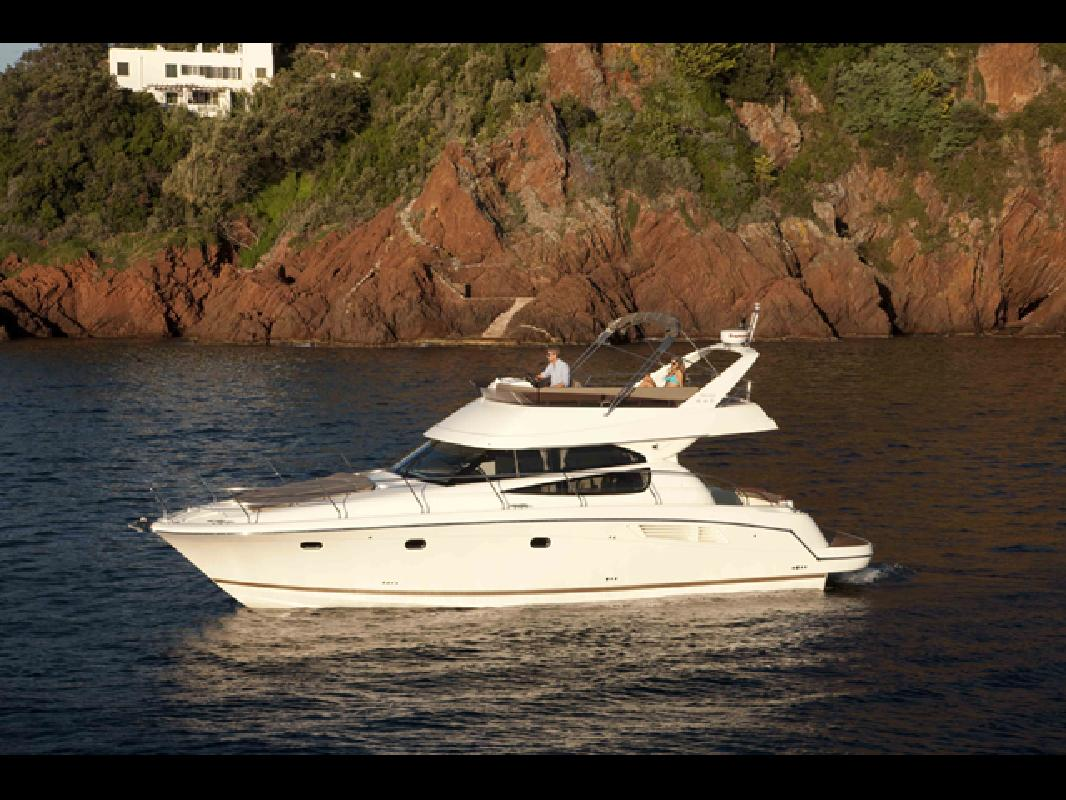 2012 44' Prestige Yachts 440 Flybridge
