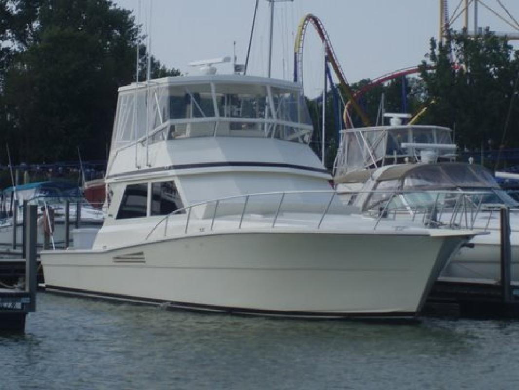 1988 48' Viking Yachts 48 Convertible