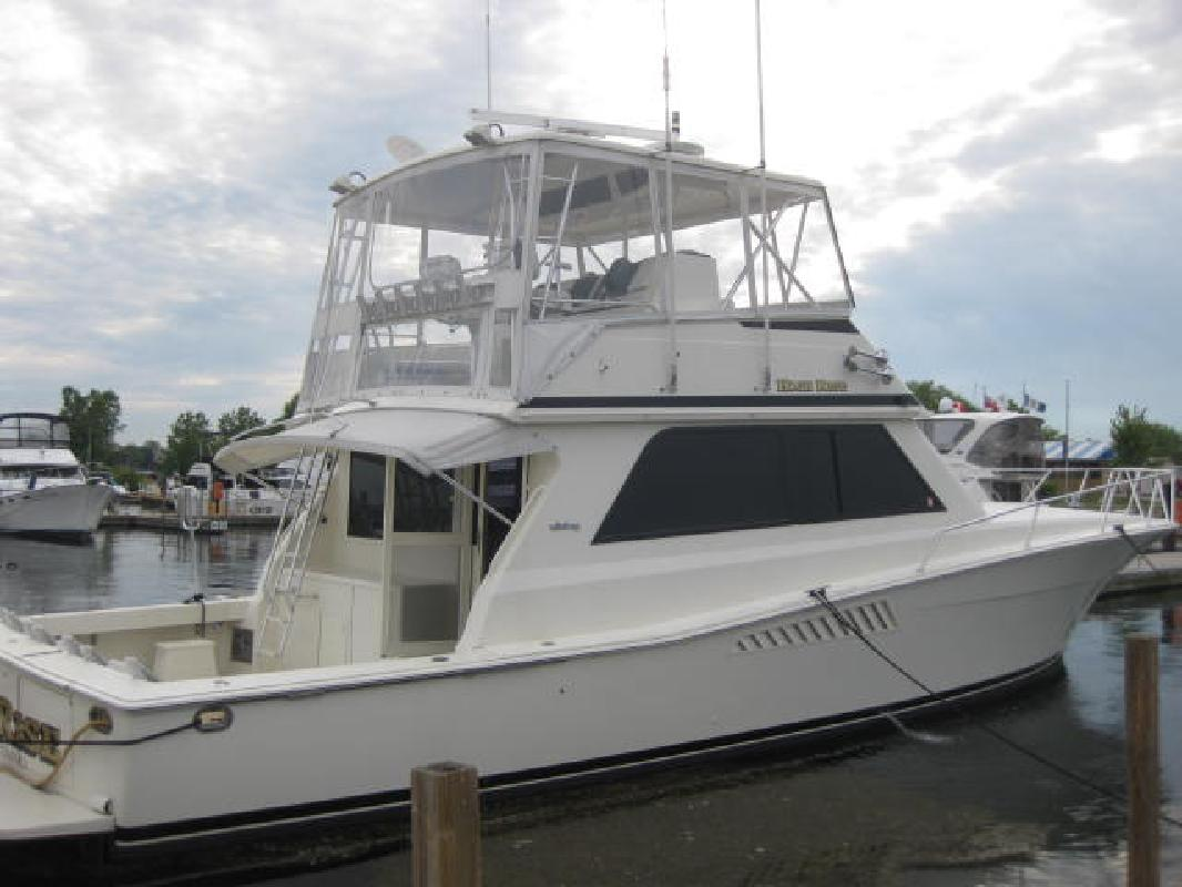 1991 50' Viking Yachts 50 Convertible in Harrison Township, Michigan