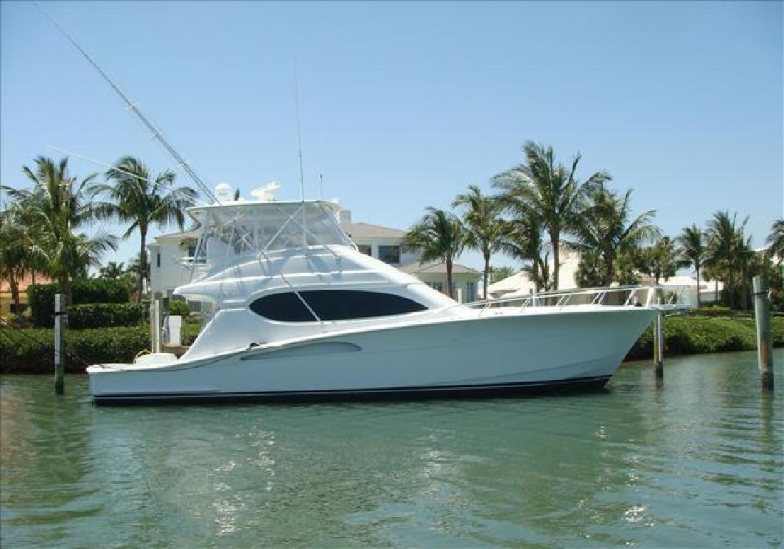 2004 54' Hatteras Yachts 54 CONVERTIBLE