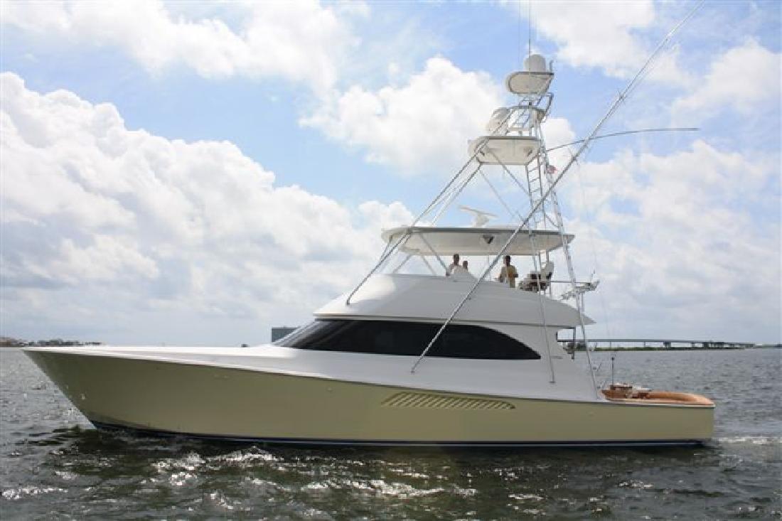 2009 60 Viking Yachts Convertible