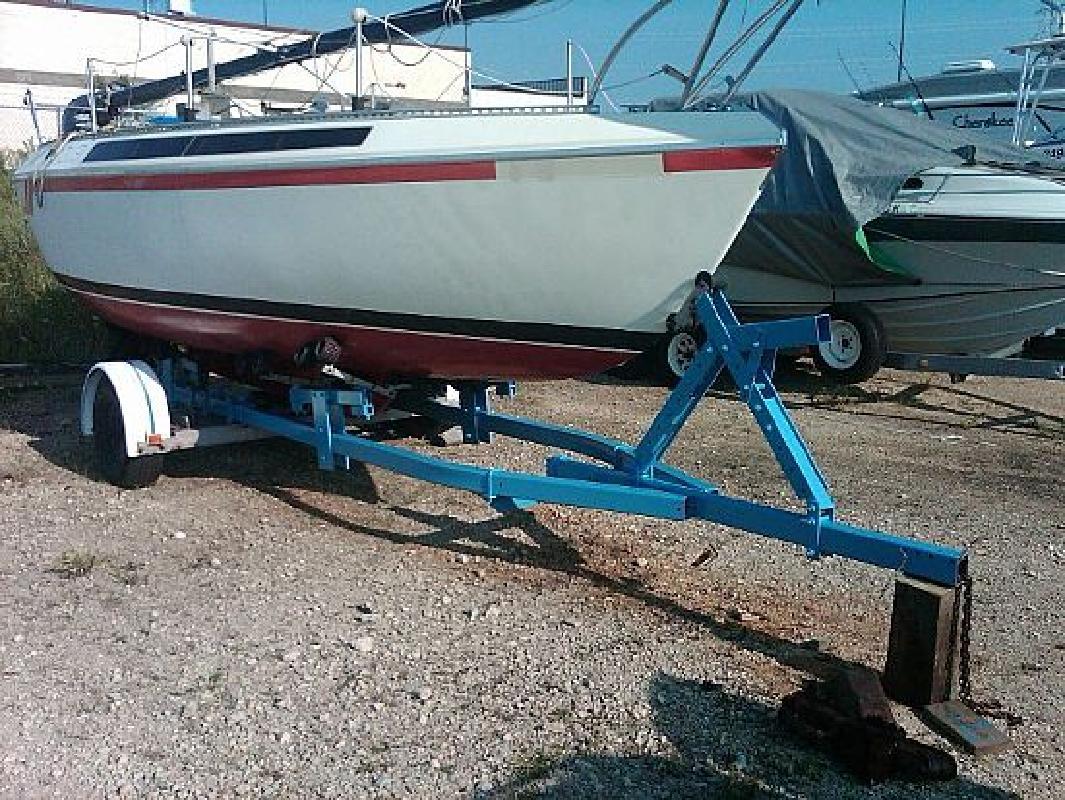 1975 22' S2 Yachts 6.8 Meter