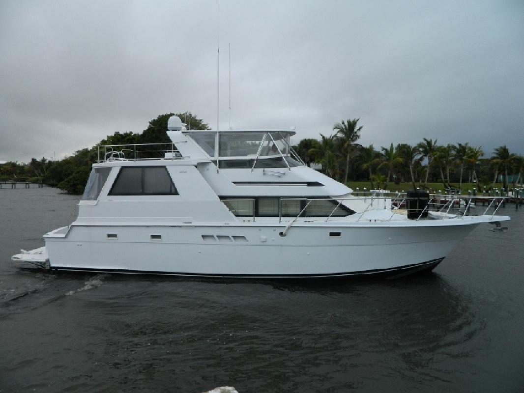 1999 52' Hatteras Yachts Cockpit M/Y