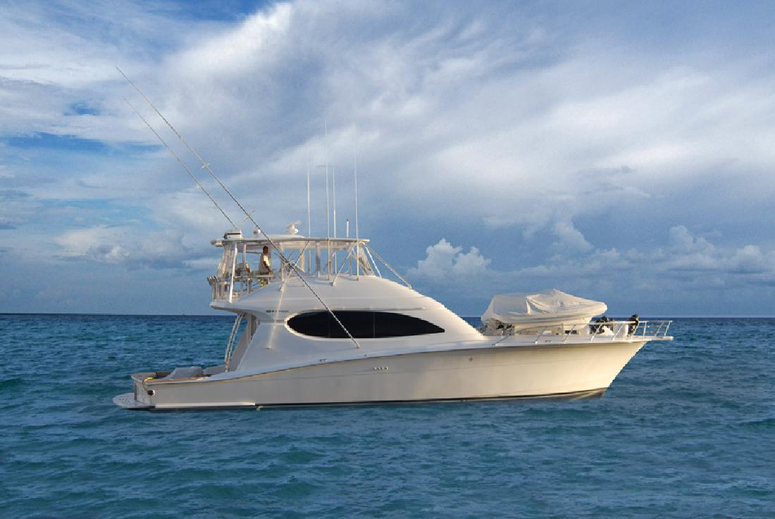 2006 64' Hatteras Yachts Convertible