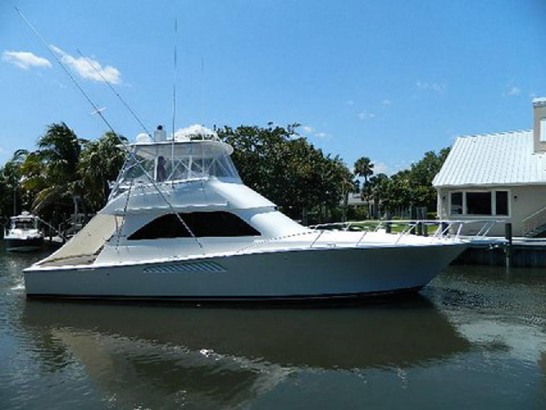 2004 45' Viking Yachts Convertible