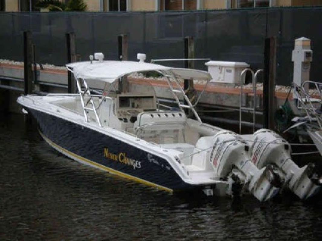 $72,900 Used 2004 Jefferson Yachts Marlago-Cuddy Cabin
