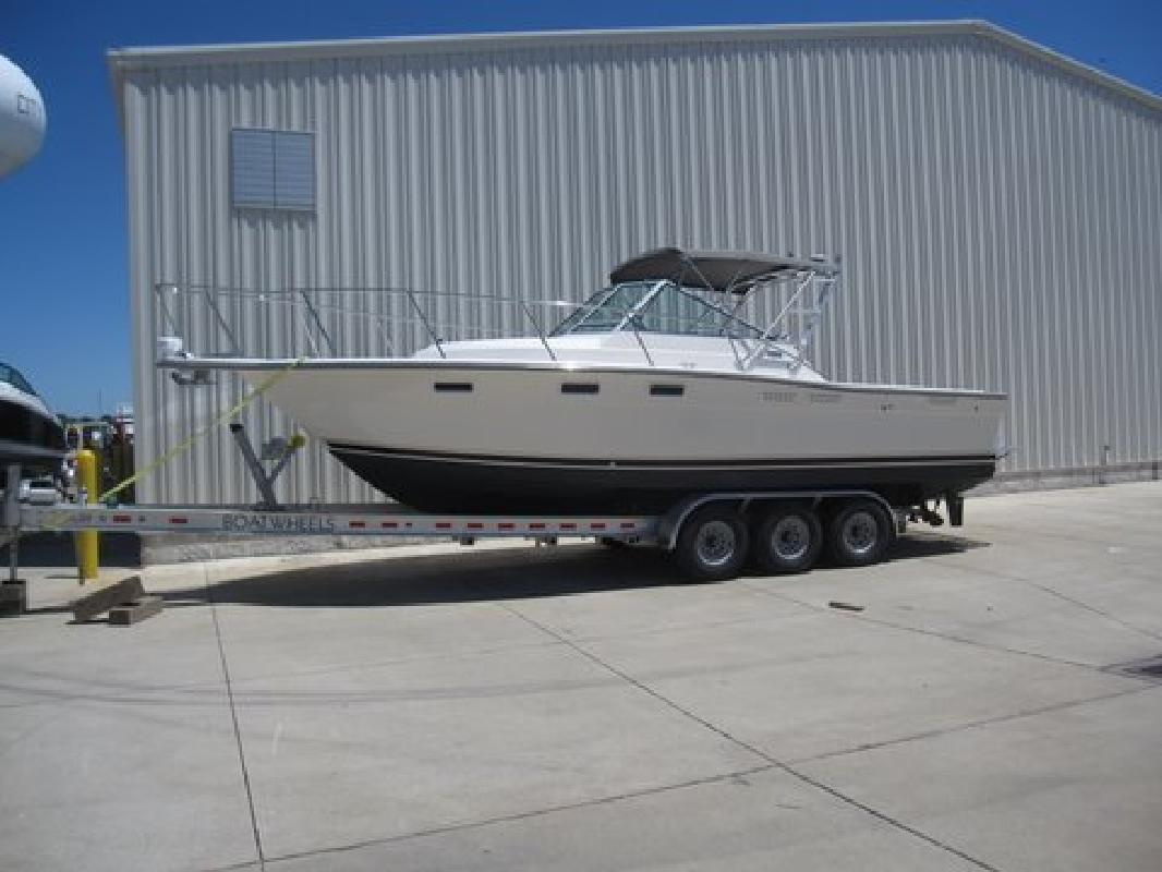 1992 27' Tiara Yachts Open 2700 in Huron, Ohio