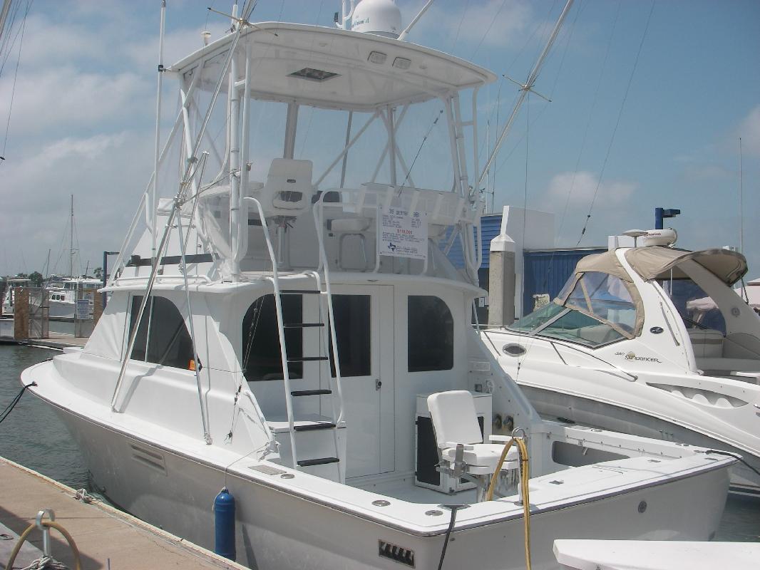 1981 35' Bertram Yachts REFIT 2005 for sale in Port Aransas, Texas
