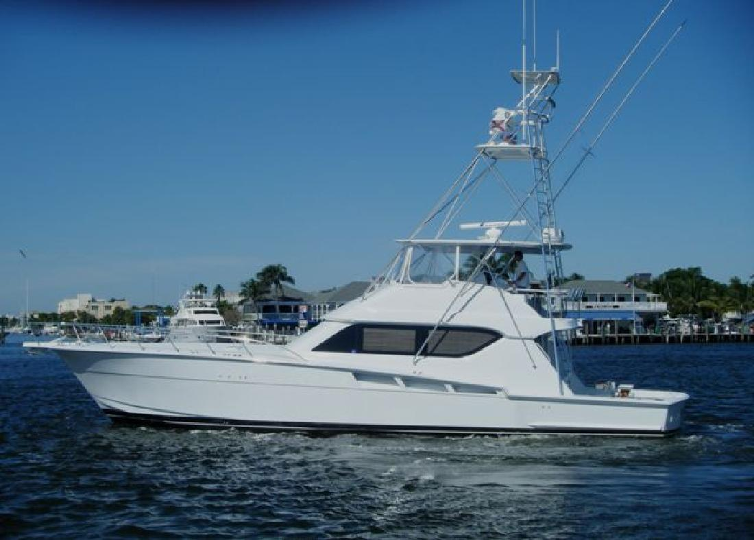 2001 60' Hatteras Yachts Tower