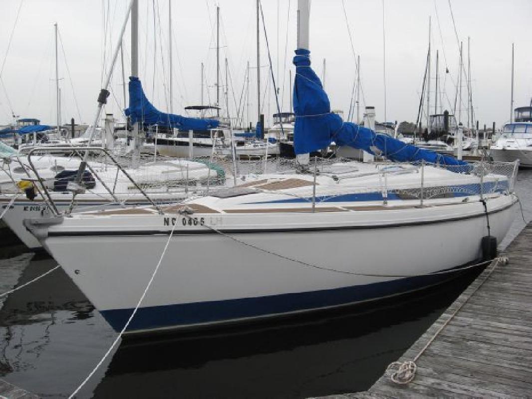 1984 29' Bavaria Yachts USA 890